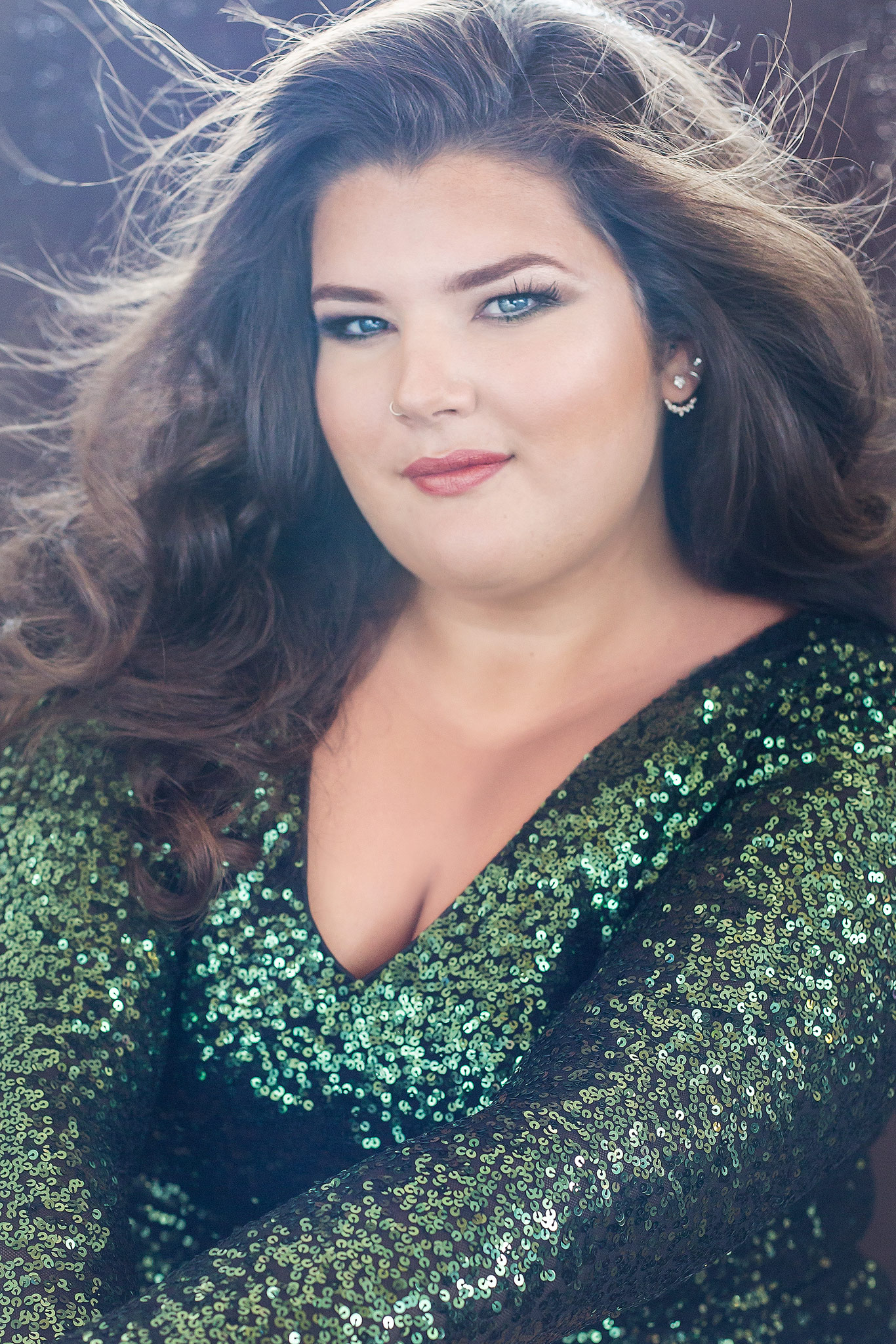 Rent-Frock-Repeat-Carole-B-Eves-Brittany-green-sparkly-dress-beauty-portrait